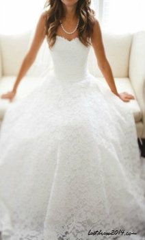 I am absolutely in love with this lace wedding dress! wedding lace