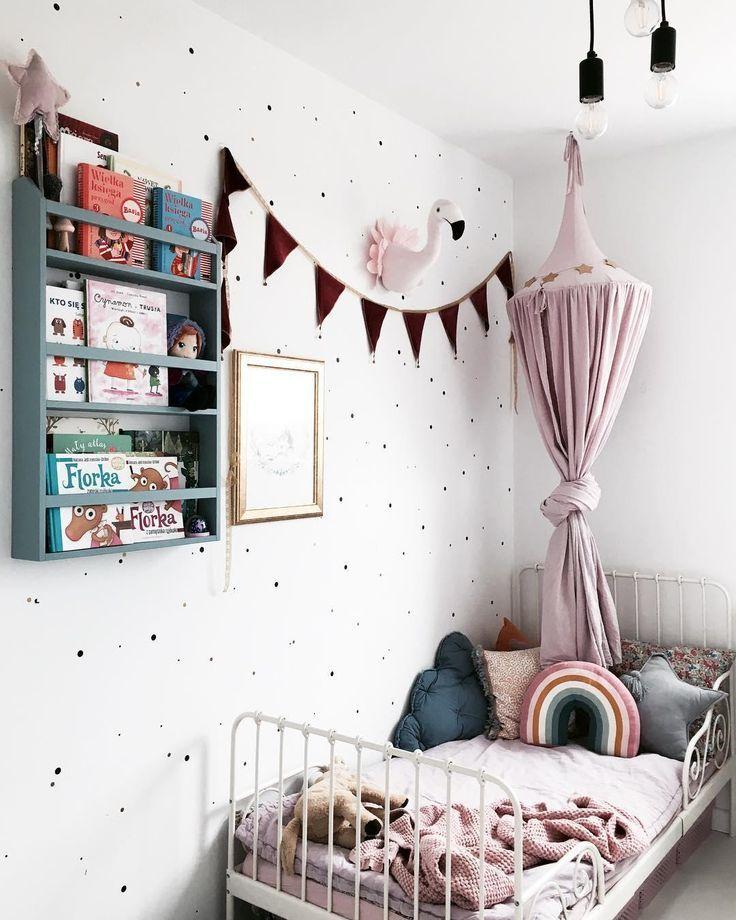 Twinkle Twinkle Little Star Die Pendelleuchte Sky Sorgt Fur Ein Stimmungsvolles Ambiente Im Kinderzimmer Kombi Cool Kids Rooms Kids Room Bed Daughters Room