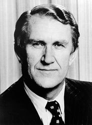 Brief biography of the Rt. Hon. Malcolm Fraser  Malcolm Fraser was Australia's 22nd Prime Minister, leading the nation from November 1975 to March 1983.