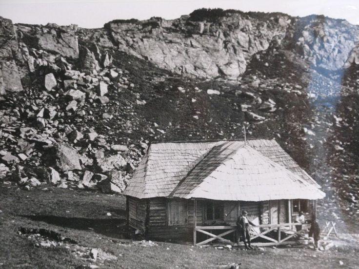 Premieră! Expoziție de fotografii rare cu cabane montane, ridicate în România, între 1883 și 1946
