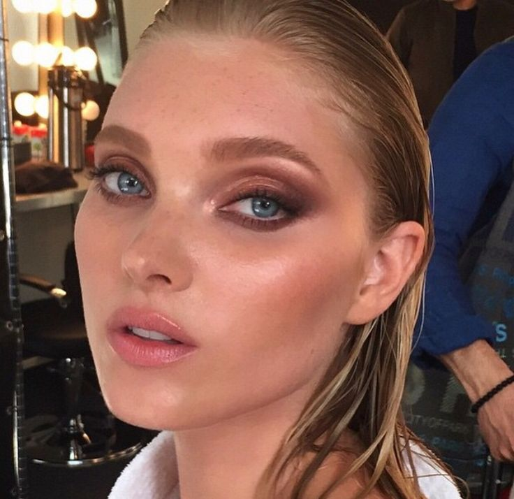 Victoria's secret makeup look