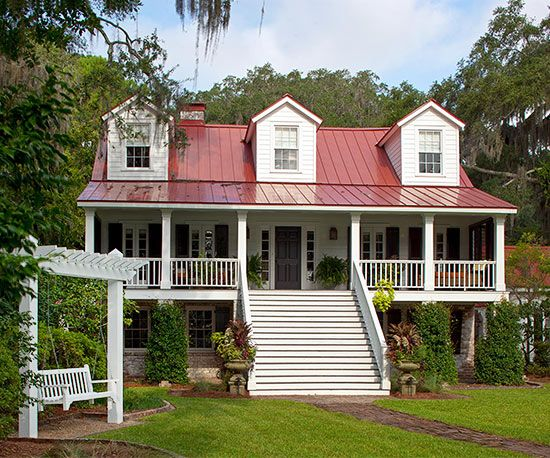 Built more than 150 years ago, this three-story riverside house in Georgia was the perfect choice as this active family's vacation home. But before they could enjoy the locale, the homeowners needed to uncover the home's orig