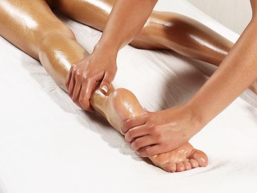 For the perfect leg,ankle and foot massage use the Energising Massage Oil.  http://www.shzen.co.za/feet_energising.php