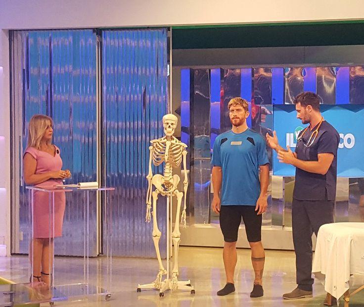Correre e camminare sono fondamentali per la nostra qualità di vita ❤ il Dr Gabriele Benedetti alle prese con il campione #massimociocchetti e la mitica #monicadiloreto ⚕️ live on #tv2000 #sky