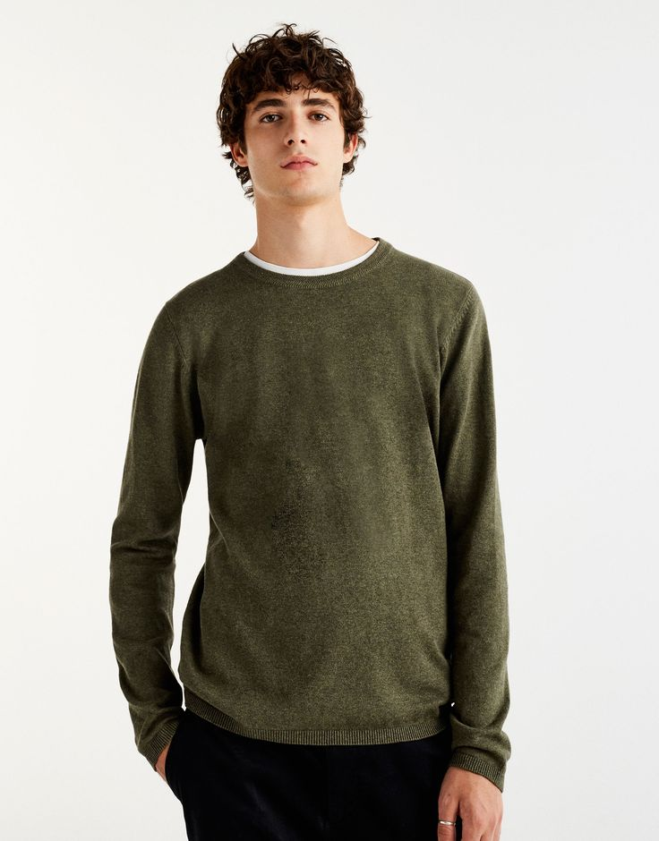 Camisola malha (verde): PULL&BEAR (15,99€)