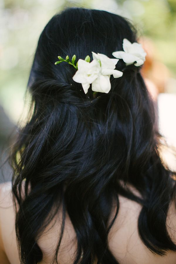 Flowers in Hair   photography by http://www.lauraivanova.com/