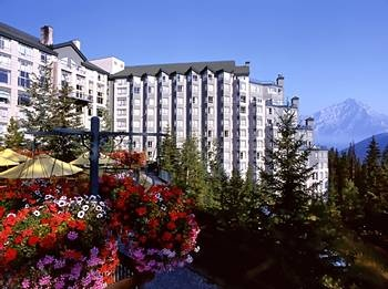 Great hotel in Banff!! Built into side of mountain!!