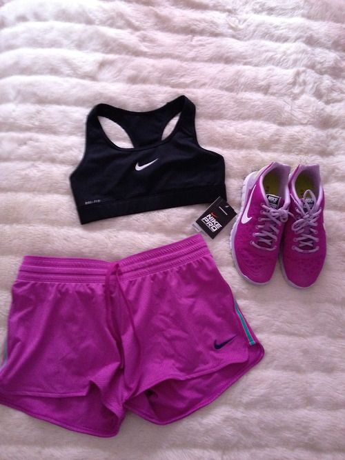 .cute workout outfit...ahhh one day I'll run in my sports bra! ;)