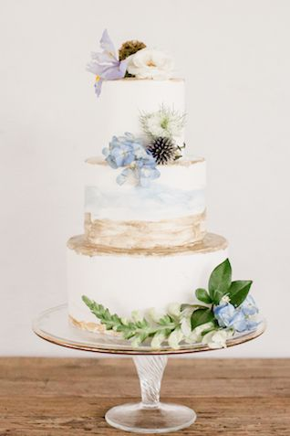 Hand-painted wedding cake   Grey to Blue Photography