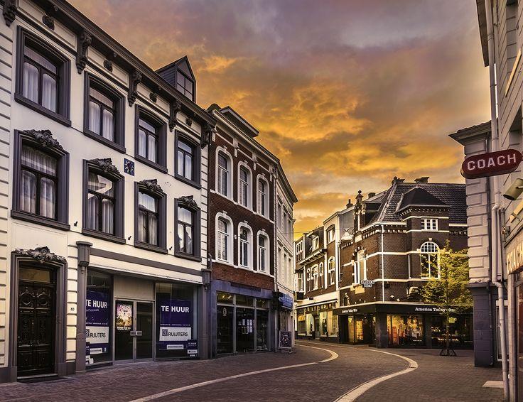 181 Sunset from Limbrichterstraat
