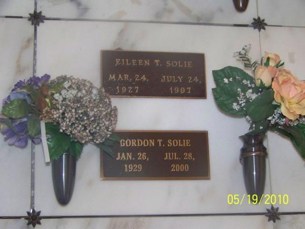Gordon Solie (1929 - 2000) Pro wrestling announcer
