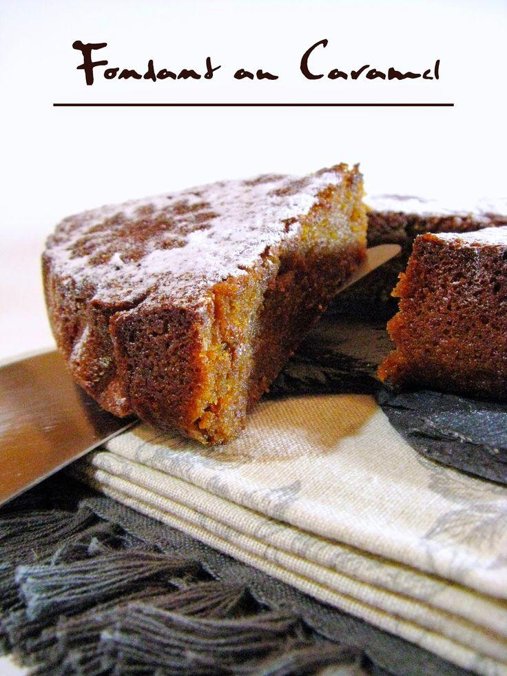 FONDANT AU CARAMEL (190 g de sucre, 125 g de beurre demi-sel, 2 g de Fleur de sel, 110 g de crème, 90 g de chocolat blanc, 175 g d'œuf (+/- 3 oeufs de calibre gros), 60 g de poudre d'amandes, 30 g de farine, 25 g de vergeoise blonde, 1 g vanille en poudre)