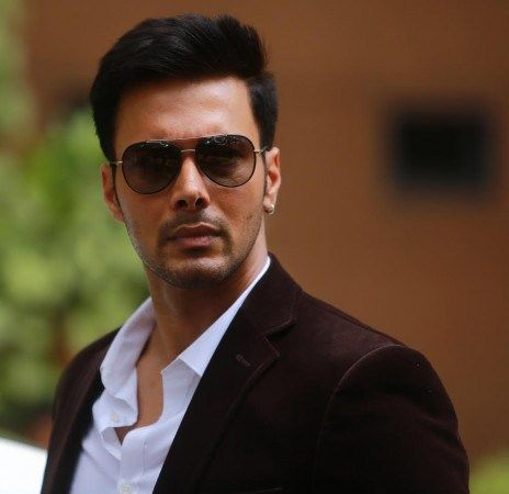 Rajniesh Duggall got injected 8 times for a scene in Wajah Tum Ho