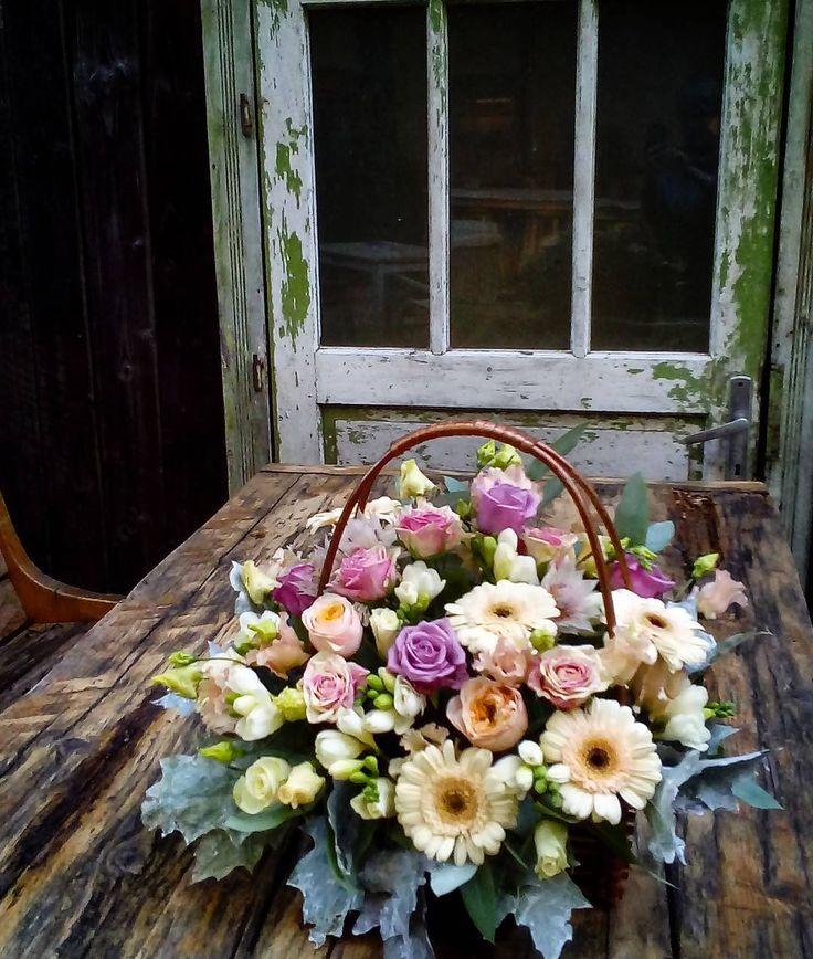 "1 aprecieri, 1 comentarii - Floraria Dorothy's (@florariadorothys) pe Instagram: ""Pastel colors.. #flowers #in #basket #cluj #clujnapoca #clujlife #floricluj #florariecluj…"""