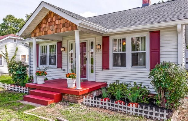 A 1920s Cottage Dials Up the Curb Appeal  - HouseBeautiful.com