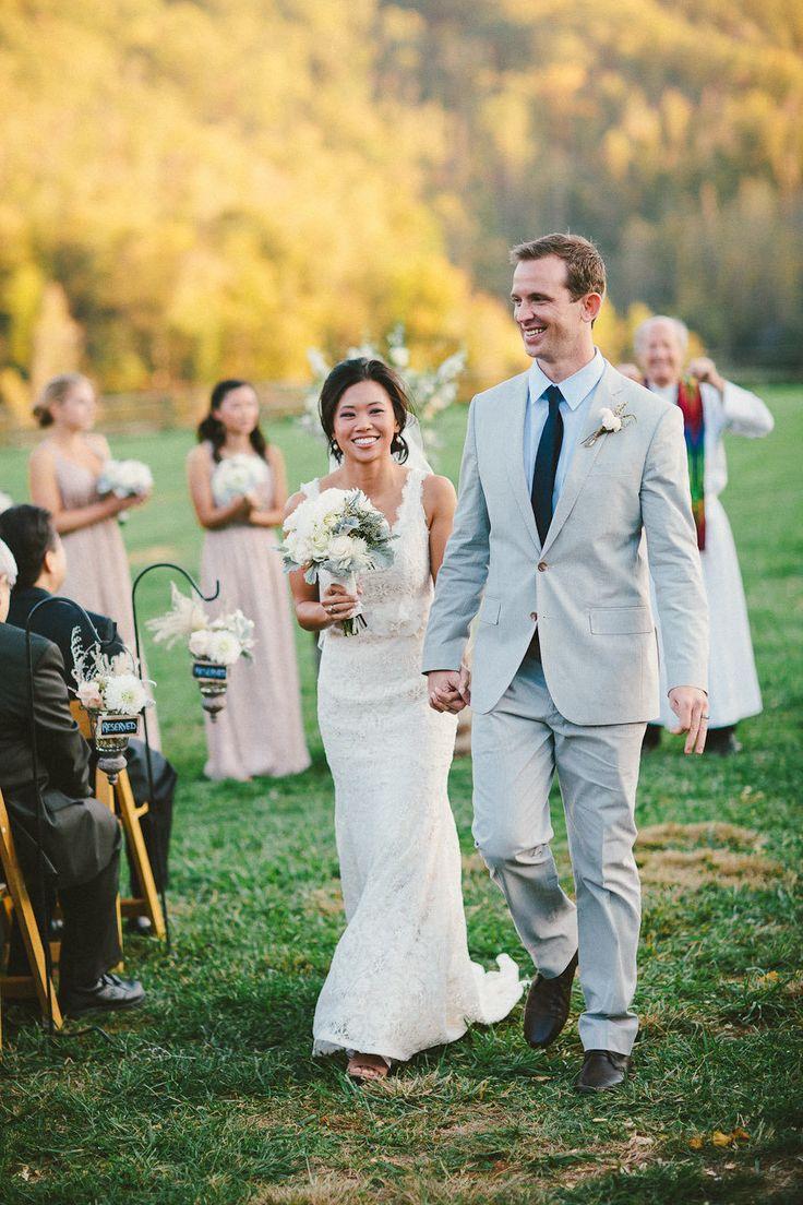Свадебное торжество на открытом воздухе - идеальное решение для теплого времени года. Здесь есть множество вариантов оформления, больше возможностей для развлечения гостей, ну а свадебные церемонии на открытом воздухе просто бесподобны.