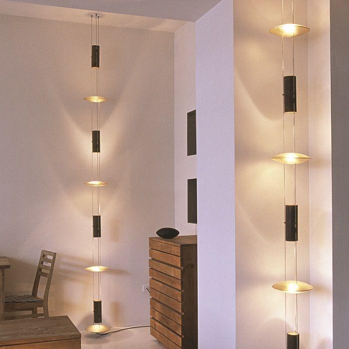 treppen lampen cheap flur und treppen die passende leuchte schtzt vor unfllen with treppen. Black Bedroom Furniture Sets. Home Design Ideas