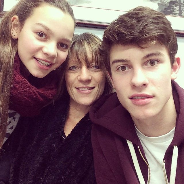 Shawn, his mum and his sister :))) I can't handle this it is too cute my soul has been ripped to pieces and I'm dead welp