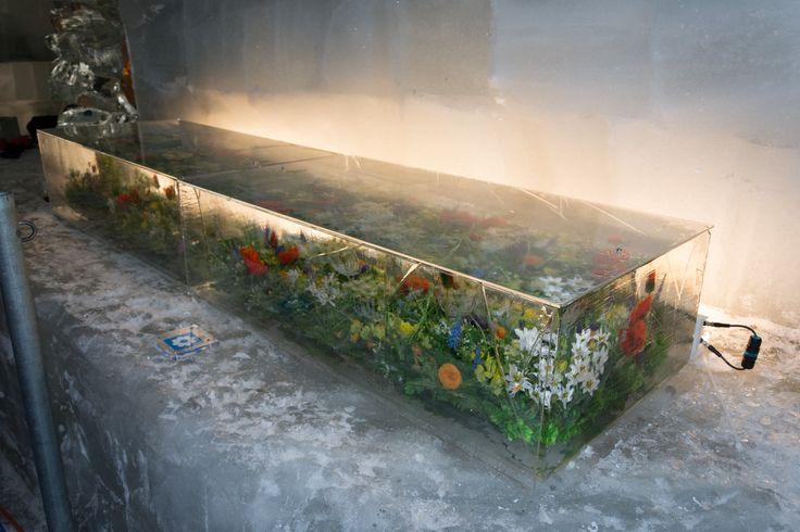 eingefrorener Garten #Eisskulpturen #Eisfiguren #Mittelallalin #Eispavillon #Saas-Fee #icesculptures  www.eisskulpturen.ch