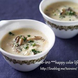 特別な日に♪きのこのクリームスープ+by+トイロさん+|+レシピブログ+-+料理ブログのレシピ満載! 今日はクリスマスにオススメのちょっと上品なきのこのクリームスープのご紹介です。ローストチキンとの相性もとても良いんです^^+漬けて焼くだけ!手羽元ローストチキン!+by+トイロ*マッシュルームとしめじ...
