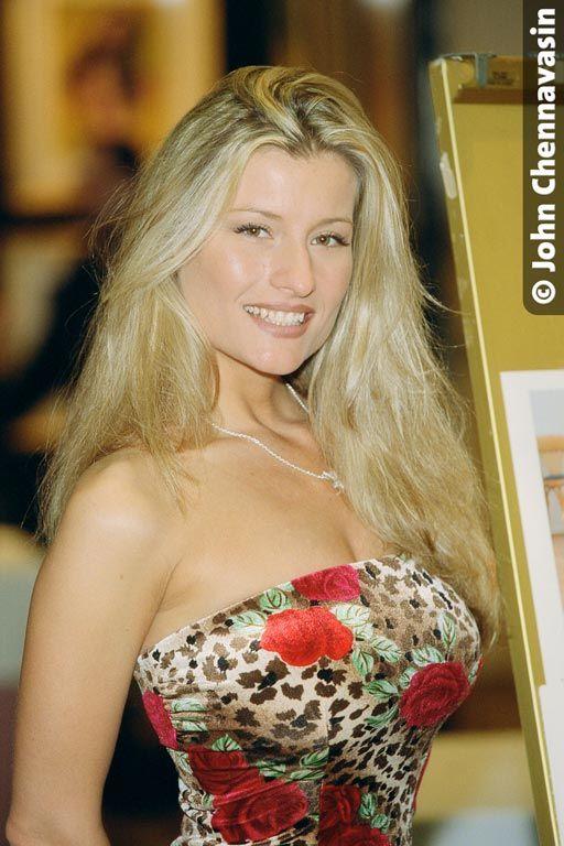 Kerri Kendall Nude Photos 55