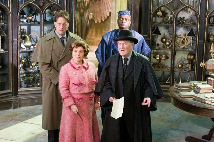HARRY POTTER AND THE ORDER OF THE PHOENIX, Imelda Staunton (front left), Robert Hardy (front right), George Harris (back right), 2007. ©Warner Bros.