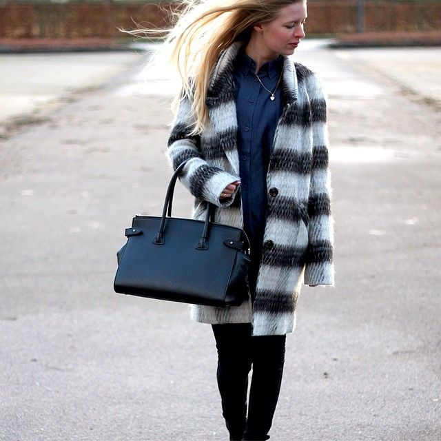 @amydyrholm spotted in our long-fitted objpearl coat. www.amydyrholm.dk