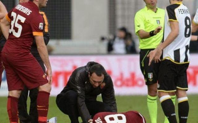Roma: Solo contusione al ginocchio per Ljajic, può recuperare per il derby! #roma #ljajic #infortunio