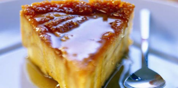 FLAN DE SEMOULE AU CARAMEL (lait, beurre, jaunes d'oeufs, crème, semoule, sucre, sel, vanille, noix de coco, caramel)