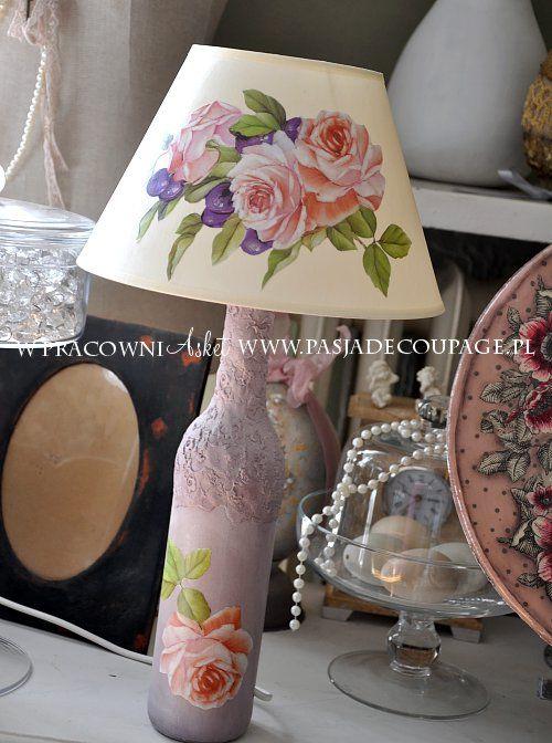 lampa - decoupage klasyczny - wykonana z butelki