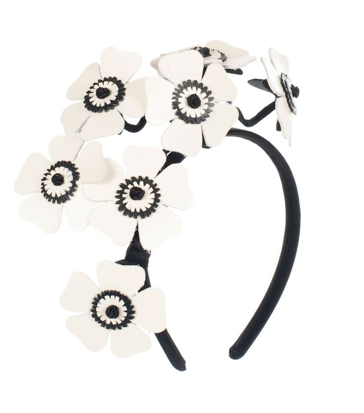 Alannah Hill - Just Dandy Thanks! Fascinator features a posy of white and black leather flowers set on wire for structure onto a silk headband. Style it with the Glitter Is My Weapon Dress! very modern spring racing carnival look!