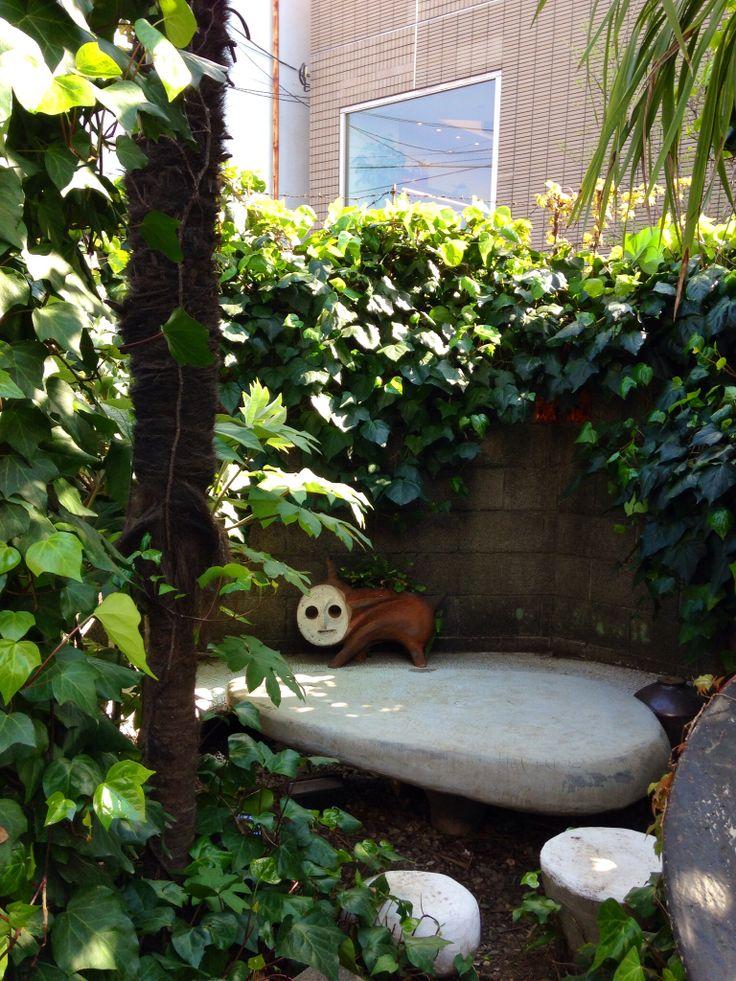 岡本太郎 美術館の庭