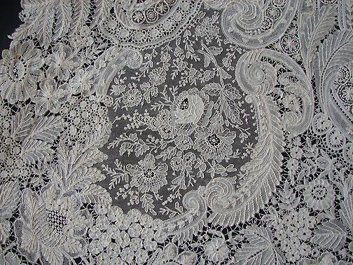 Maria Niforos - Fine Antique Lace, Linens & Textiles : Antique Lace # LA-225 Majestic Brussels Lace Shawl w/ Point De Gaze Lace