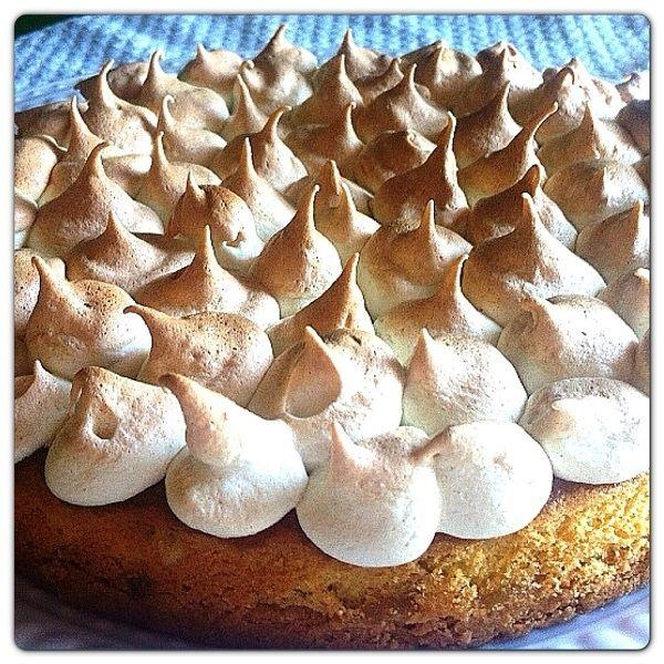 Torta al limone Pattìni con meringa fatta in casa - #cake #meringa #food #recipe #foodrecipe #torta #lemoncake - http://www.dolcipattini.it/it-IT/il-nonno-pasticciere/in-cucina-con-pattini/Torta-meringata-al-limone.aspx