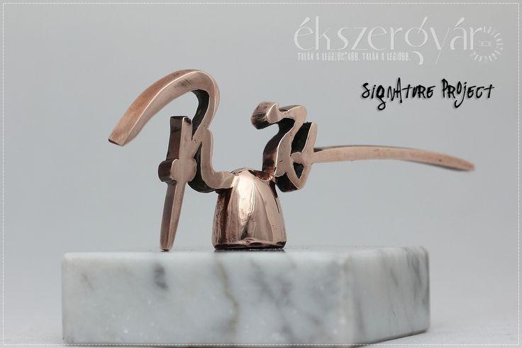 Aláírás trófea. Bronz. Signaure trophy. Bronze. www.ekszergyar.hu/signatureproject