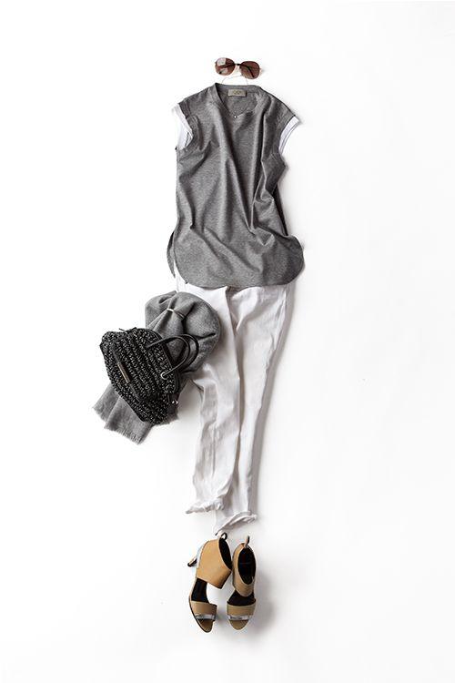 コーディネート詳細(デニムとノースリTを、なんだか女っぽく着たくなって)| Kyoko Kikuchi's Closet|菊池京子のクローゼット