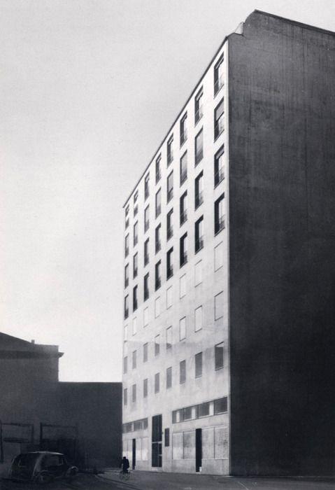 Mario Asnago e Claudio Vender, edifio per abitazioni e uffici, Milano, 1947