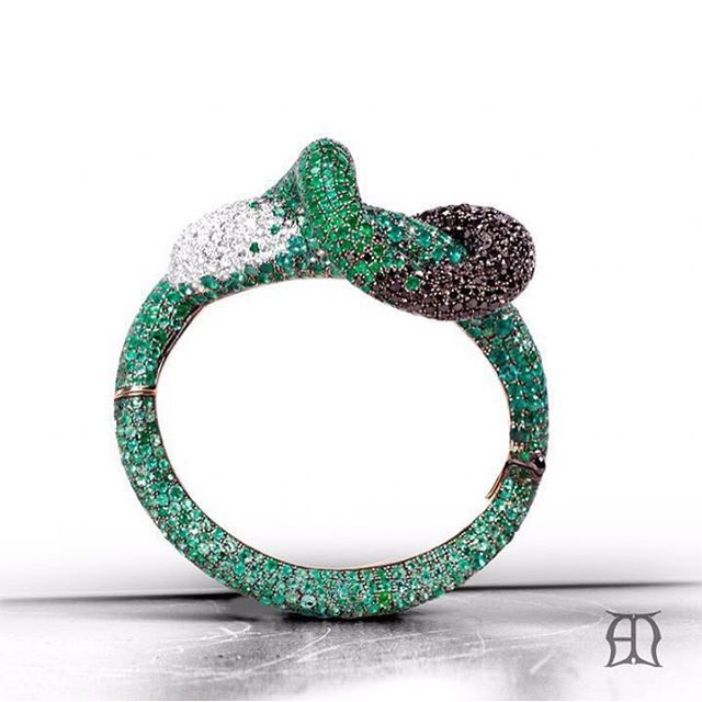 Emerald and diamond dazzle