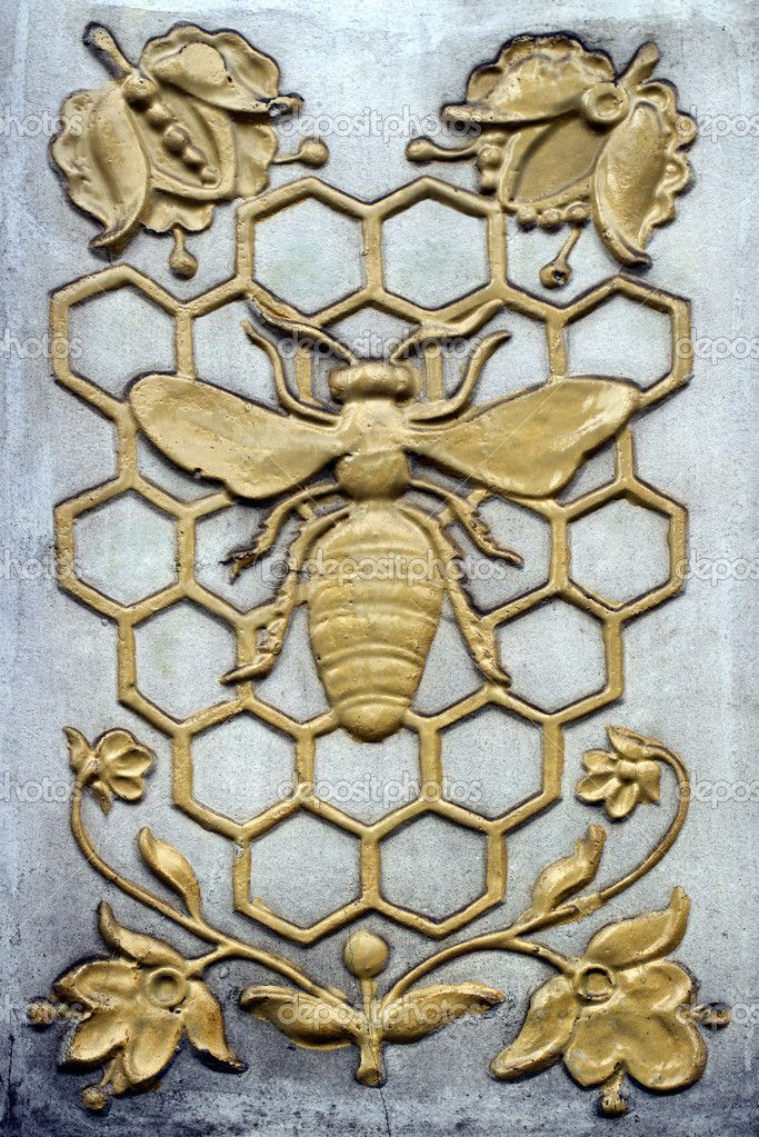 Download - Decorative bas-relief with bee — Stock Image #34150217