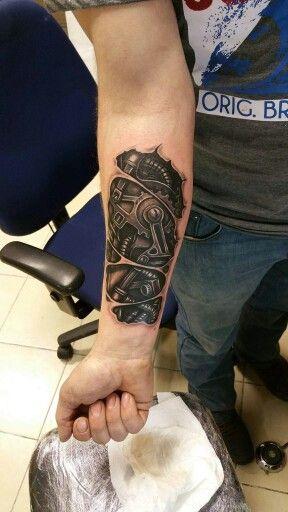 BioMechanical Tattoo by me..                                                                                                                                                                                 Mais