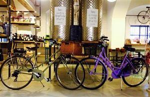 Bistro Ciclosfuso #Milan #Italy #GreenWhereabouts #organic #wine #winebar #bike #BikeRental #bikestore