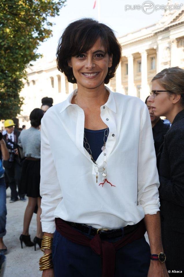 white shirt chic. #InesDeLaFressange in Paris.