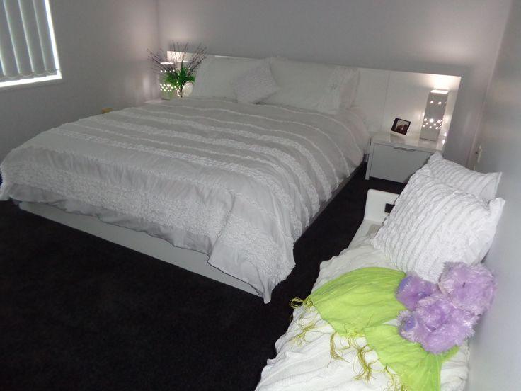 lovely Bedroom (0urs)