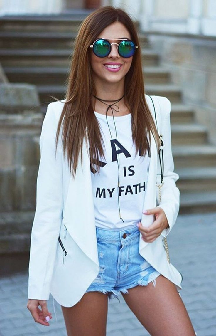 Strike a Pose // We are loving how @aimstyle_official styled this white draped blazer. #LBSDaily