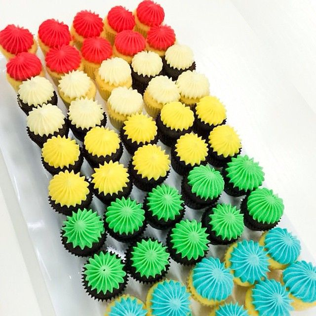 Anyone for a sweet treat? #sportsgirl #cupcakes #rainbow Follow us on Instagram: http://instagram.com/sportsgirl