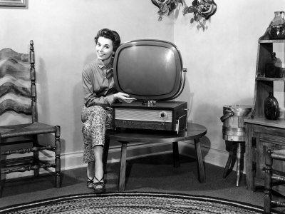 If I had a Predicta I would hug it too.: Retro Television, Surpri Large, Vintage Tv, Televi History, Philco Predicta, Television History, Predicta Television, Radios Tvs, Retro Tv