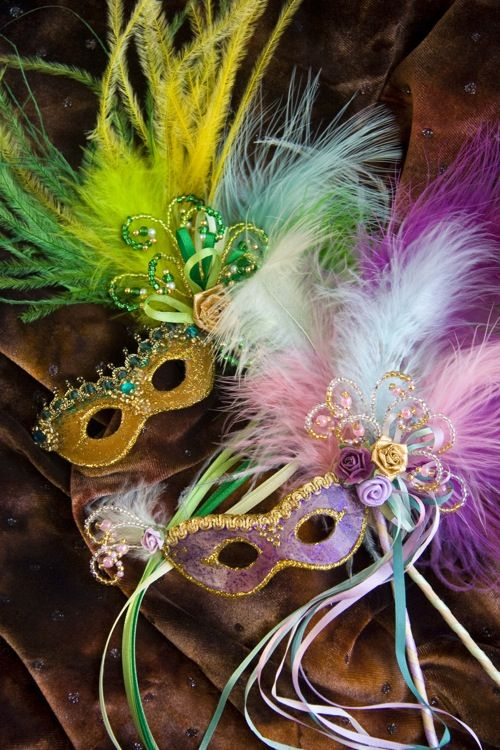 tutorial to make Mardi Gras masks--not sized for AG but could easily by adapted