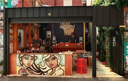 Grizzly Espresso, Fitzroy. Classic Melbourne laneway-style espresso bar. Love the openness of the space. (I wish the picture was bigger!)