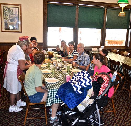 Traditional Amish Cooking and Homestyle Eating – Good 'n Plenty Restaurant http://travelexperta.com/2014/08/amish-cooking-good-n-plenty-restaurant.html #familyrestaurant #restaurantreview #pennsylvania