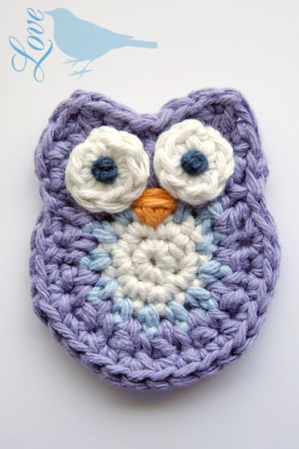 Love The Blue Bird: Crochet Owl Pattern... In English.  Super fast and easy owl applique.  Keep it going by repinning, it's got over 700 repins so far!